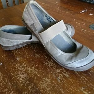 Keen Ballet flats with Strap.